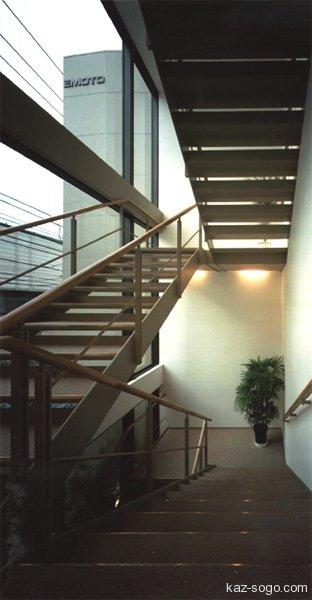 E1ビル 階段室